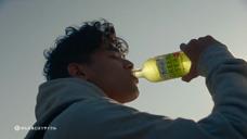 饮料-Suntory 天然水 GREEN TEA天然水广告[日本]